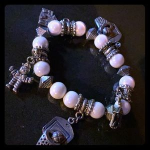 Jewelry - Stretch bracelet with charms